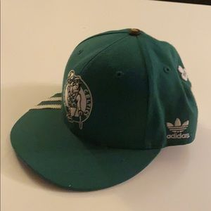 Boston Celtic 17 Banner fitted hat from Adidas